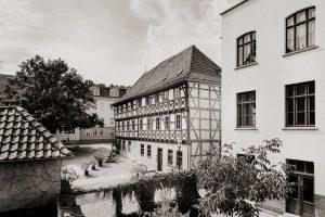 Fotostudio (rechts) in einem Gebäude der ehem. Handschuhfabrik, Arnstadt